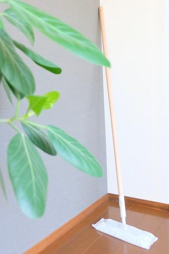 プラスチックポールの他に、軽量や伸縮式、木製もあって、自分のお好みで必要なものだけを組み合わせられるのでとっても便利です。