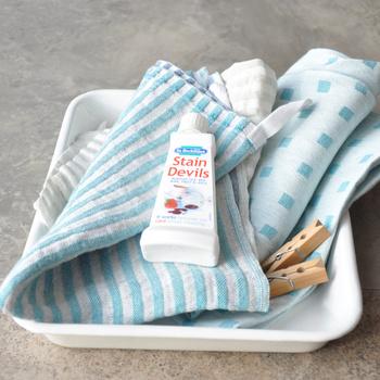 ステインデビルズさえあれば、わざわざクリーニング屋さんに持っていかなくても、これからは自分でシミを落とせます。お洗濯のときの強力な味方になりそうですね。