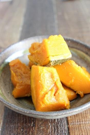ほっくり、きれいな色のかぼちゃの煮物は、覚えておきたい基本のお料理です。