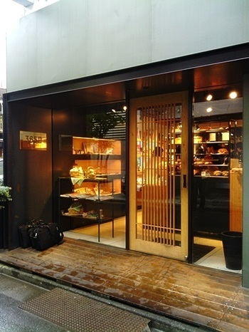 こちらは代々木公園駅からすぐの位置にあるパン屋さん。こちらはお店の名前どおり、365日営業しています。唯一のお休みは366日目となる2/29だけ。