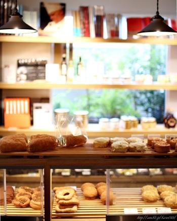 ずらっと並んだパンはどれも美味しそうなものばかりで、ついつい買いすぎてしまいそうです。
