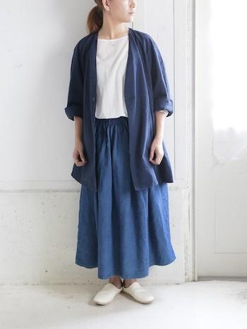 ウエストにギャザーの入ったボリュームのあるスカートは、お腹周りの気になる方や腰の張っている方の体型カバーにぴったりです。
