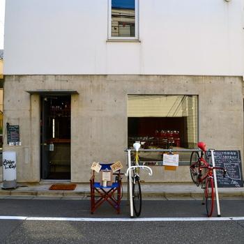 渋谷駅新南口から徒歩5分ほどにある『PillarCafe(ピラーカフェ)』は、カフェ利用者にはなんと利用金額に応じて無料レンタサイクルのサービスがあるんです。