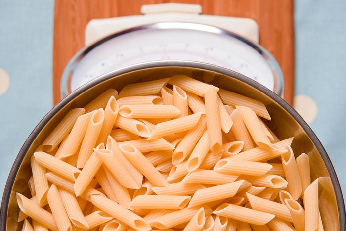 そしてなんと、イタリアでは「パスタはデュラムセモリナ粉と水と塩で作ること」がパスタ生産者に法律で義務付けられているんですよ。