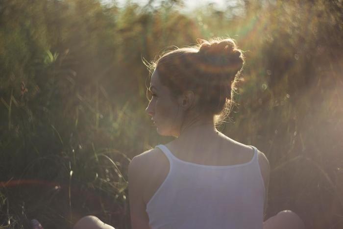 自分のことをまっすぐに見つめている人には、揺るがない芯の強さがありますよね。ぶれない自分なりの軸が、周りの人を魅了するのかもしれません。