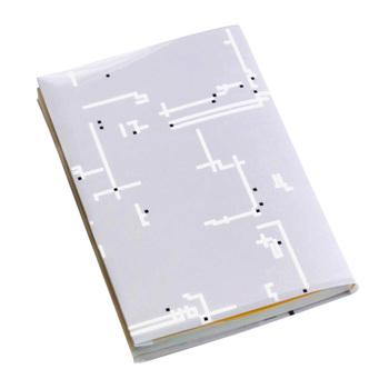 TOYOBOの新技術とコラボして生まれた、折れるポリエステル製の「ブックカバー」。 こちらは本店でなく、裏具ハッチさんとURAGNO(ウラグノ)さんのみでの取り扱いです。どの柄もシンプルでとても洗練されています。迷路のような模様にじっと目を凝らすと、ちゃんと「いろはうた」が読めるようになっている、遊び心をくすぐるデザインです。