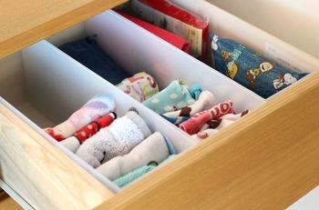 こうやって、ハンカチや靴下など、細かいものの整理にとっても便利です。