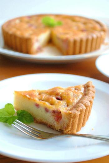 ぶどうといっても、手ごろなデラウェアで作れるレシピ。ホットケーキミックスをつかうので、とっても簡単にタルト生地が作れます。