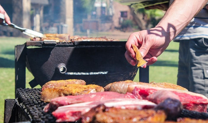 暑い季節のキャンプやピクニックは、どうしても食材が傷みやすい点が気になります。その点、秋は食材が傷んでしまうという心配が少ないのがポイント。お天気の良い日に屋外で食べる食事はそれだけでごちそうに♪