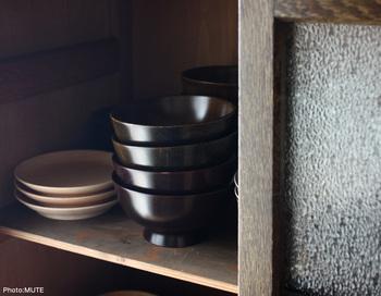 陶器や磁器、漆器までさまざまな飯椀をご紹介しました。どの器もさまざまな食卓に馴染みますが、好みは人それぞれ。お気に入りの飯椀を見つけて、これからの季節に温かい「ご飯」を楽しんでくださいね。