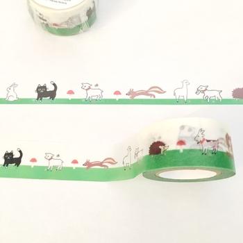 オリジナルマスキングテープには、猫やヤギなどの動物たちと一緒に、ベニテングタケもにょきにょき。何に使おうか、ワクワクしてしまいます。