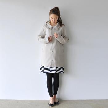 涼しくなったら、こんな風にコートの裾からチラリとボーダーをのぞかせるのもおすすめです。