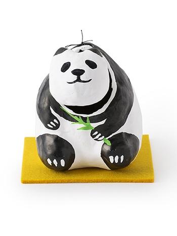 こちらは、上野店5周年記念された「パンダの張子」。他にもパンダモチーフのグッズがあるので、ぜひ探してみてくださいね。