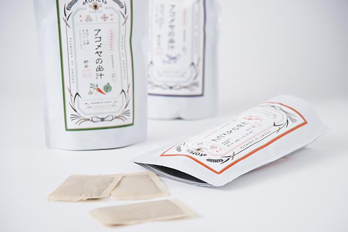 お米に焦点をあてたライフスタイルショップAKOMEYA TOKYOから、2017年9月9日に「アコメヤの出汁」として、焼きあご・かつお・野菜の3種類の出汁パックが発売されました。
