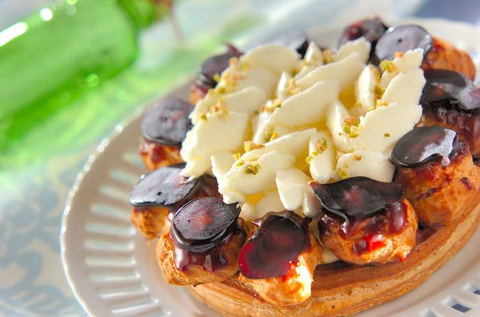 フランス・パリのサントノーレ通り発祥のお菓子「サントノーレ」。サクサクのシュー生地にたっぷりのクリーム、カリカリのキャラメル…美味しいのは間違いなさそうです。かわいい見た目も魅力的!次のスイーツブームになるかも…?