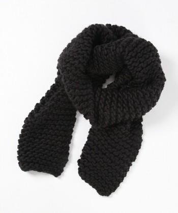 メリヤスの表編みと同じ編み方を裏でも編むことでボコボコっとした風合いのあるガーター編みになります。編み方も簡単で、目の大きさがまちまちになってしまっても目立たないので初心者さんにもおすすめです。