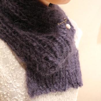 ふんわりと柔らかなモヘアで編めば、フェミニンで優しい雰囲気のマフラーに。