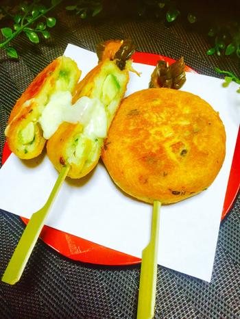アボカド×芋もち♪甘いスイーツが苦手な人にもおすすめのレシピです。仕上げに塩や甘辛醤油などで味のバランスを調整できますよ。