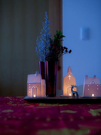 窓辺や玄関先に置いて静かなクリスマスムードを演出してくれるライト。カラフルでにぎやかなクリスマスより、シックに雰囲気を楽しみたい時におすすめです。
