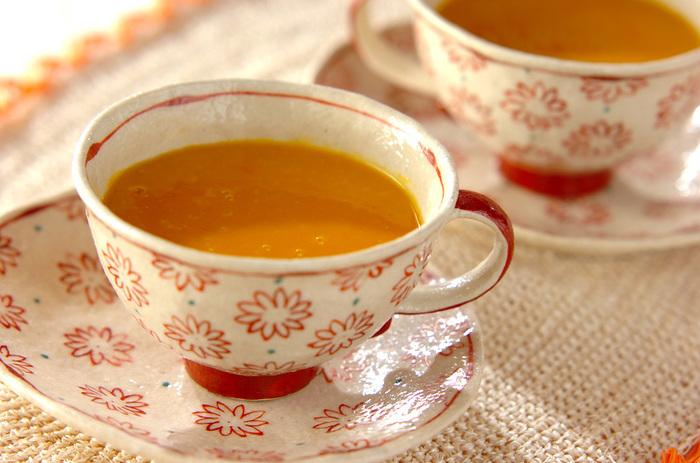 人気の甘酒にかぼちゃを合わせた、栄養豊富なホットドリンク。濃厚なおいしさは、しっかりとした満足感があり、これだけでもヘルシーなデザートドリンクになります。元気が出そうですね。