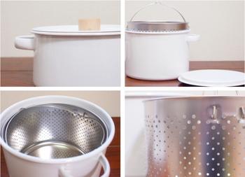 カレーやシチューなどを作る時に使いやすい深型の両手鍋は、ステンレス製の中網がついたパスタパンです。 満水の状態で5700ccという大容量で、パスタやそうめんなどたっぷりのお湯を使って茹でる時に頼りになります。