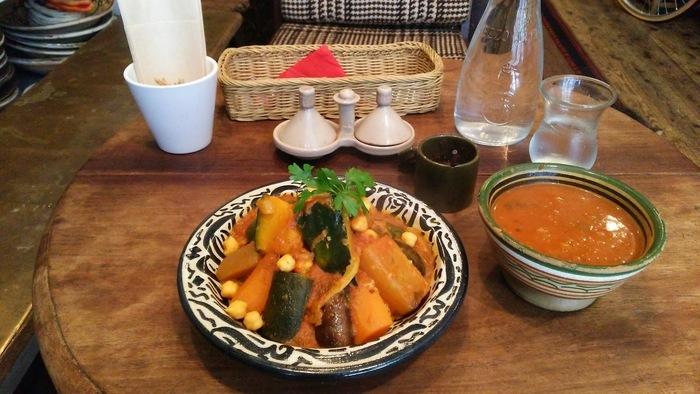 モロッコ料理は辛いものが少なくやさしい味なので、幅広い年代の方に人気です。本場の味を再現しているそうですが、日本人の口にも合うので、まだ食べたことがない方はぜひ一度お店を訪れてみてはいかがでしょうか?