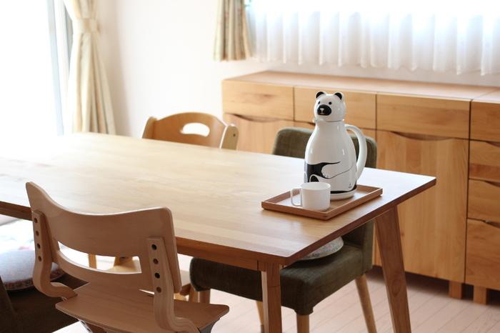 人気ブロガーさんもご愛用♪こちらは「クマ」のデザインです。夏場はこのジャグに麦茶を入れてテーブルに置いておくことで、お子さまが自分でお茶を注ぐようになり、「ママ、お茶ー!」からちょっぴり解放されたんだとか。