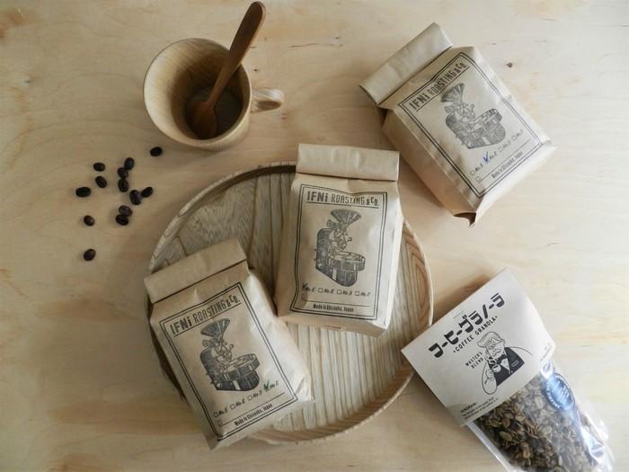 静岡を拠点とするIFNi Roasting&Co.の珈琲は、開封した時の香りにも癒されます。 新鮮な豆を焙煎した珈琲はレトロなデザインのパッケージも魅力的。