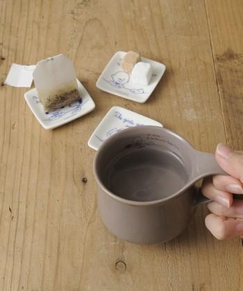一見シンプルなこちらのマグカップ。ですが…良く見てみると、内側にもこっそりとイラストが!