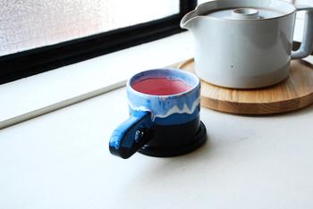 ロサンゼルスのアーティスト集団「Echo Park Pottery(エコ パーク ポタリー)」のマグカップはとってもカラフル。ひとつひとつ手作りしているので、同じものはひとつとしてありません。