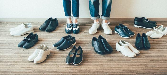 上質な皮革を使用した革靴は、履くたびに自分の足に馴染み、世界で1つだけの特別な靴に仕上がっていきます。秋冬コーデに取り入れたいクラシカルで上品な可愛い革靴ブランドをご紹介しますので、唯一無二の存在となってくれるお気に入りの1足を見つけましょう♪