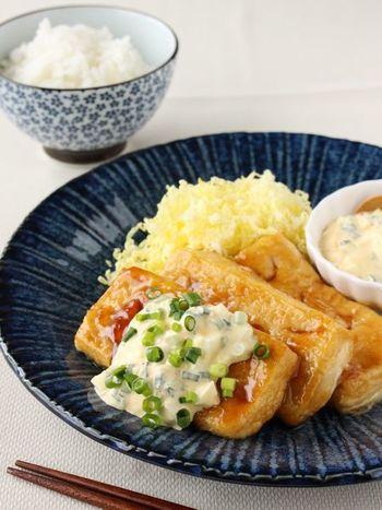 ダイエット中でも無性に食べたくなるチキン南蛮も、木綿豆腐で作ってしまえば安心していただくことができますよ。木綿豆腐に薄くまぶした薄力粉がポイントです。フライパン1つで作れちゃうお手軽さもGOOD!