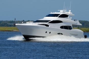 免許を持っている人限定になりますが、最近ではクルージングのための船もシェアできる時代へ。