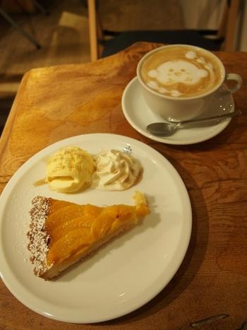 店内も比較的落ち着いた雰囲気でゆっくり過ごせるので、おいしいスイーツとコーヒーをいただきながら、まったり過ごしてみてくださいね。
