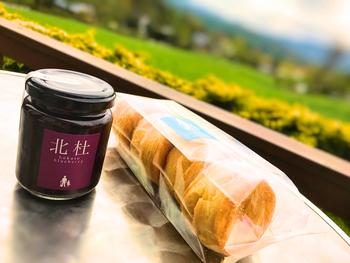 ジャムを使ったラスクや、ジャムに合うスコーンなどの焼き菓子も販売されています。清里土産に喜ばれそうですね。