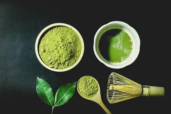 紅葉とお抹茶の見た目にも美しい組み合わせは、日常から特別な世界へ連れ出してくれるはず。今回は、お茶席がおすすめのお寺を厳選してご紹介したいと思います。