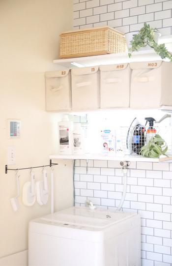 そして、セスキ炭酸ソーダの大きな強みは『水に溶けやすい性質』を持っているという事です。なので、お洗濯には断然、セスキ炭酸ソーダがおすすめ。水にさっと溶けるので、そのまま洗濯機に投入してOKです。