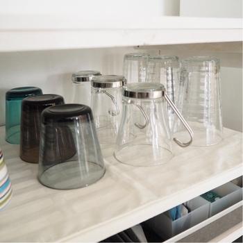 油汚れが酷いお皿や油膜などが気になるグラス類は、セスキ水を吹きかけてから洗うとキレイになります。お皿に残っている汚れは食べ残しは、先にクロスやキッチンペーパーで出来るだけ拭き取る様にしましょう。