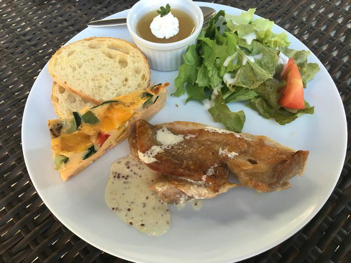 リーズナブルでおしゃれなランチが食べられると話題のセタビカフェ。ほとんどのランチメニューが1000円以下なんですよ。女子同士で訪れる方が多いのも頷けます。