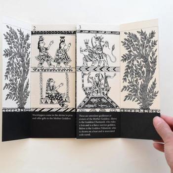 絵本の概念を超えた、芸術作品ともいえる一冊です。
