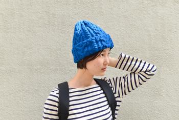こちらのキットと編み針などを用意すれば、こんなおしゃれなニット帽を編むことができますよ。