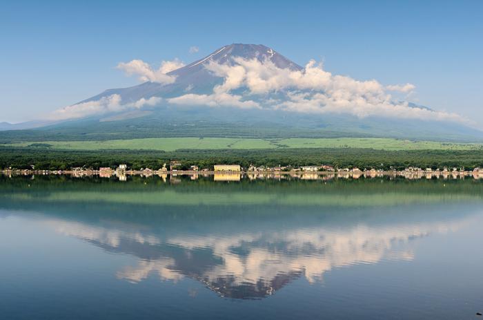 日本一の山として親しまれている富士山。世界文化遺産にも登録され、その美しさは世界級のものと認められました。そんな私たち日本の誇りでもある富士山グッズを身近に置けば、きっとHappyが訪れるはず。そこで今回は、贈り物にもおすすめな可愛い富士山グッズをご紹介します♪