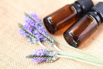 汚れを落とす効果に優れ、殺菌、消毒、防虫、デオドラント作用など効果が様々だそう。香りにはリラックス作用があるため、まさに万能なアロマオイルです♪ただし、妊娠初期の方にはNGなのでご注意を。