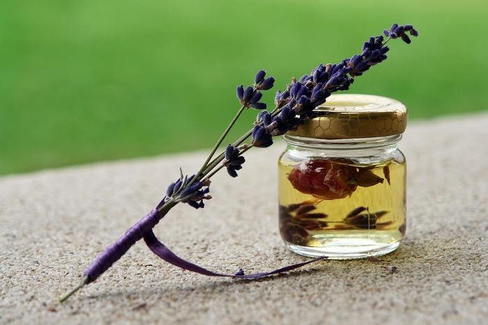 ささやかだけど、日常に取り入れると心地よさを感じる習慣。自然の香りを楽しみながら、ふわっと香るおもてなしにも活用してみてください♪
