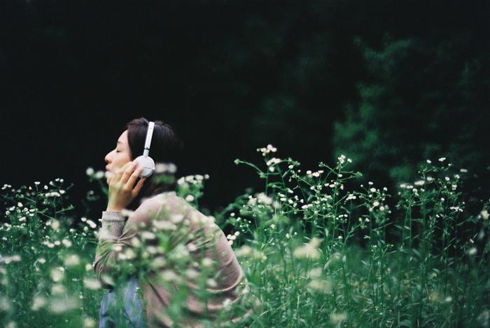 リズムよく歩くためには、お気に入りの音楽があるともっと楽しくなりそう。「お散歩用に良い音楽はないかなー」と、好きな音楽のジャンルを広げるのも良いですね。