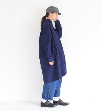 シャツワンピースは、1枚で着ても、羽織っても、レイヤードさせても素敵に仕上がる万能アイテム。1着あれば着こなしの幅がグッと広がるシャツワンピースで、自分らしいコーディネートを楽しんでくださいね。