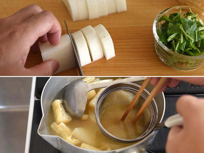 生で食べるイメージの強い長芋ですが、冨田さん曰く、里芋などに比べて皮も剥きやすく「普段の味噌汁の具にぴったり」とのこと。半月切りにしたら、そのままじっくり火を通します。油揚げとともにシンプルなお味噌汁にしていきます。