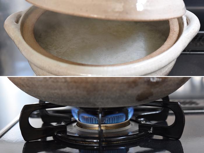 中火で10分ほど経つと沸騰してきます。慣れないうちは蓋をとって目視で確認してもOK。それから弱火にして約15分炊いていきます。熱を逃がさない土鍋だから弱火でも大丈夫なんだとか。