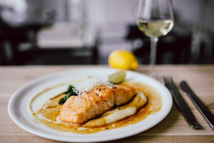 魚の作り置きレシピをご紹介しました☆いかがでしたか? 魚料理って面倒だし手間だしと思っていたけど、意外と簡単かも!と思っていただけましたか?  同じたんぱく質のお肉もいいけど、魚はまた格別の美味しさです☆ 作り置きを活用して栄養満点の美味しい食卓を彩ってくださいね!