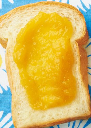 ドライフルーツがなくても缶詰ならある!という時にぴったりのマンゴージャムのレシピです。マンゴーの缶詰を買い置きしているという方、賞味期限前にぜひ挑戦してみてくださいね♪缶詰は元々甘いのでお砂糖の量が少なくてすみますよ!